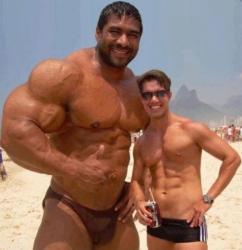 l-homme-le-plus-muscle-du-monde-2012.jpg