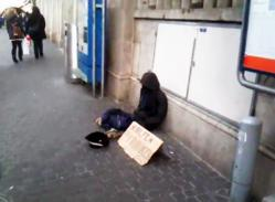 trolling-zurich-suisse-fake-doll-sdg-homeless-argant-clochard.jpg